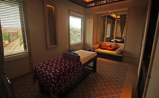 テルムマランバリ・シングルルームのベット部写真